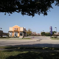 Photo taken at Taco Bell by Supote M. on 7/29/2012
