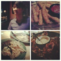 Photo taken at Applebee's by Gilberto Lim A. on 7/23/2012
