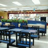Photo taken at Burger King by Maru V. on 12/13/2011