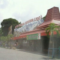 Photo taken at Kebun Binatang Surabaya (KBS) by Daud Tri Jatmiko A. on 12/15/2011