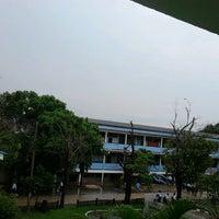 Photo taken at โรงเรียนทีปังกรวิทยาพัฒน์ (มัธยมวัดหัตถสารเกษตร) Dipangkornwittayapat (Mattayomwathatasankaset) School by Kangsadan P. on 7/9/2012