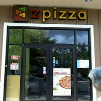 Photo taken at Z Pizza Kailua by Waka K. on 8/28/2012