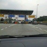 Photo taken at DUKE Highway by Ayu K. on 3/24/2012