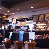 Photo taken at Starbucks by Julius R. on 8/29/2012