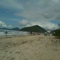 Photo taken at Praia Itamambuca by Jhu R. on 3/4/2012