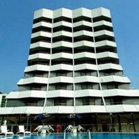 Photo taken at Paramount Hotel Singapore by Joe A. on 2/9/2011