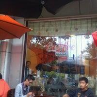 Photo taken at Cà phê Nấm by Ngựa H. on 10/5/2011