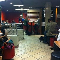 Photo taken at McDonald's by Esteban D. on 11/23/2011