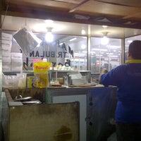 Photo taken at Martabak Barokah by ULT12AS PLAT N on 10/27/2011