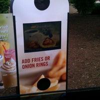 Photo taken at Burger King by K D. on 5/10/2012