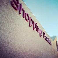 Photo taken at Shopping Paralela by Fabio M. on 8/7/2012