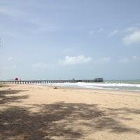 Photo taken at สะพานคู่ @หาดแม่รำพึง ระยอง by 🐤G r a*_*J e a B🐤 on 6/15/2012