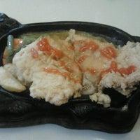 Photo taken at Waroeng Steak & Shake by Dendy B. on 8/31/2012