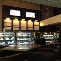 Photo taken at Chocolateria San Churro by Barun G. on 8/20/2012