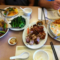Photo taken at Congee Queen 皇后名粥 by Stephen W. on 5/22/2012