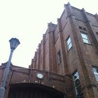 Photo taken at Hibiya Public Hall by 達也 溝. on 7/25/2012