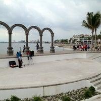 Photo taken at Plaza De Presidencia by Denis E. on 8/9/2012