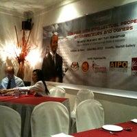 Photo taken at Enak KL by Zakir J. on 5/22/2012
