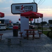 Photo taken at Bruster's by padric t. on 7/4/2012