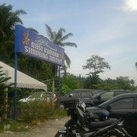 Photo taken at Nasi Kandar Simpang Ampat by Qame A. on 5/23/2012