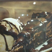 Photo taken at O Melhor Bolo de Chocolate do Mundo by Alex Alencar C. on 3/11/2012