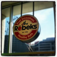 Photo taken at Robeks Fresh Juices & Smoothies by Aaron on 6/3/2012