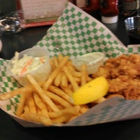 Photo taken at Yankee Lobster by Vicki C. on 8/17/2012