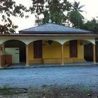 Photo taken at Masji Ar-Rahman,Kg Pulau Tebu by Fatah H. on 8/11/2011