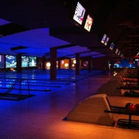 Photo taken at Bowlmor Cupertino by Erick N. on 9/7/2012