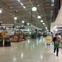Photo taken at Jumbo by Alvaro O. on 9/2/2012