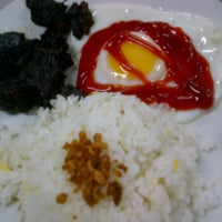 Photo taken at Pares sa Loyola by chester on 3/14/2012