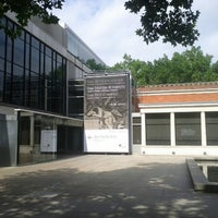 Photo taken at Museo de Bellas Artes de Bilbao by Sirespondo S. on 8/1/2012