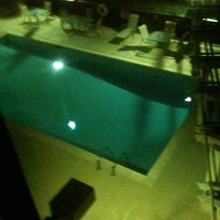 Photo taken at Hampton Inn Atlanta-Northlake by Charlie B on 1/15/2012