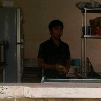 Photo taken at Bakmi klandasan by arie i. on 11/6/2011