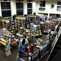 Photo taken at Books Inc. by Claudio A. on 11/12/2011