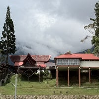 Photo taken at Kinabalu Park by Eevonne on 3/4/2011