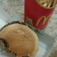 Photo taken at McDonald's by Fernando D. on 3/28/2012