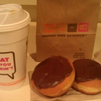 Photo taken at Dunkin' Donuts by MiMi Prada on 3/28/2012