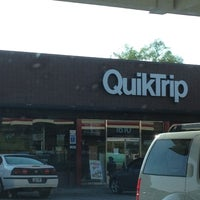Photo taken at QuikTrip by RenyaDeDulce on 9/4/2012