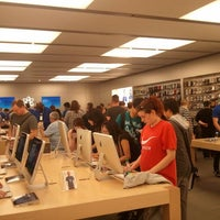 Photo taken at Apple Eaton Centre by Pedro B. on 5/12/2012