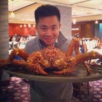 Photo taken at Kirin Seafood Restaurant 麒麟海鮮酒家 by Phil on 3/10/2012