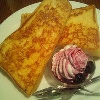 Photo taken at CAFE AALIYA by tama _. on 12/3/2011