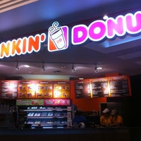 Photo taken at Dunkin' Donuts by Pipe M. on 3/8/2011