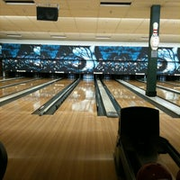 Photo taken at Park Tavern Bowling & Entertainment by Nathan R. on 12/31/2010