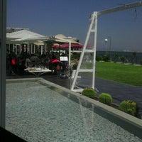 Photo taken at Aquatic Restaurant et Salon de thé by Kays E. on 5/27/2012
