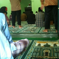 Photo taken at Masjid Al Istiqomah by ongky w. on 6/8/2012