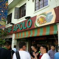Photo taken at The Banana Leaf Apolo by Kok Yong E. on 10/17/2011