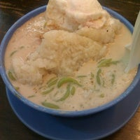 Photo taken at Wahab's Cendol by Iffah H. on 2/21/2012