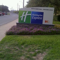 Photo taken at Holiday Inn Killeen - Fort Hood by Donna 🌻💐 on 12/7/2011
