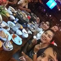 Photo taken at New Buddy กุ้งกระทะ เชิงทะเล by Pueng C. on 4/4/2012